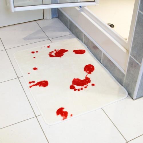 Alfombra sangrienta para baño