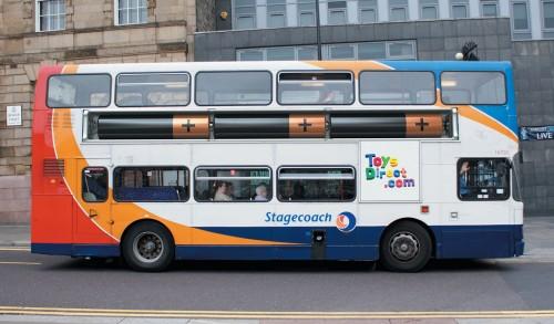 Publicidad pilas autobús www.ToysDirect.com