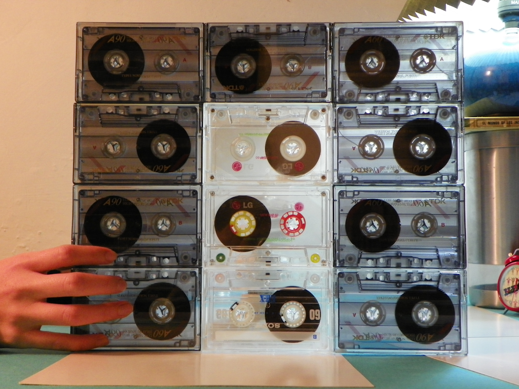 Tutorial Lámpara de Cassettes: Primera cara ensamblada
