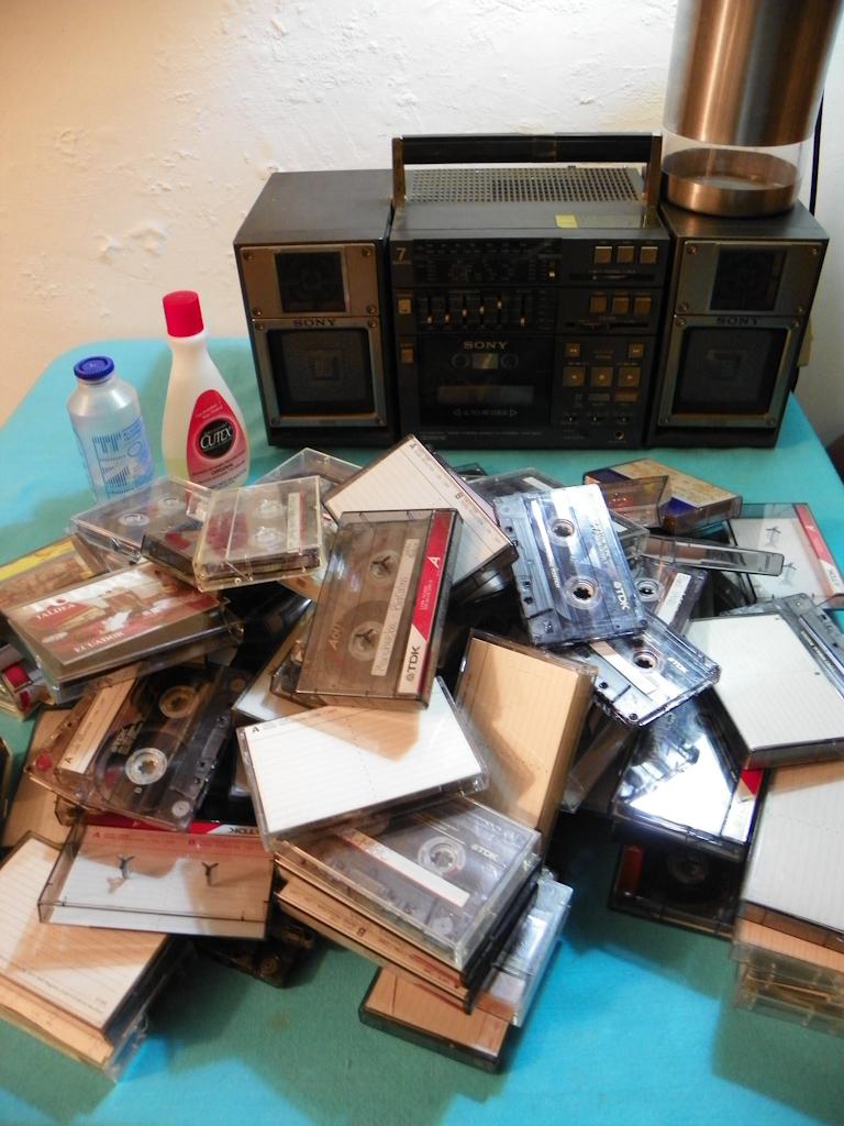 Tutorial Lámpara de Cassettes: Montones de Cintas de Música