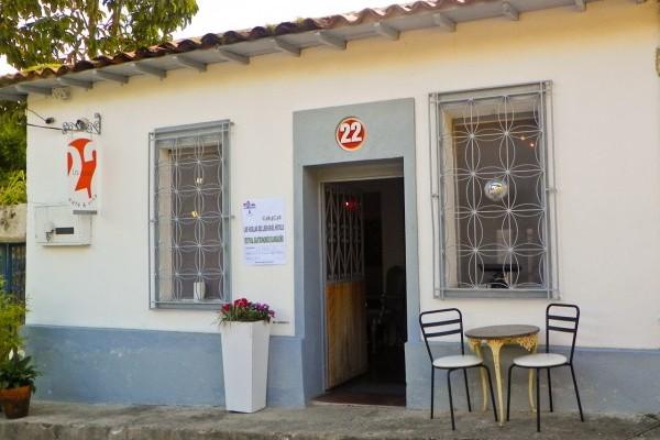 La-Casa-22-Cafe-Vino-1-600x4501