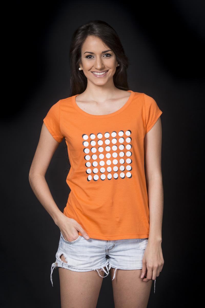 """Camiseta inspirada en la obra """"Tres Diagonales"""" de Narciso Debourg, 1985. Por COBA"""