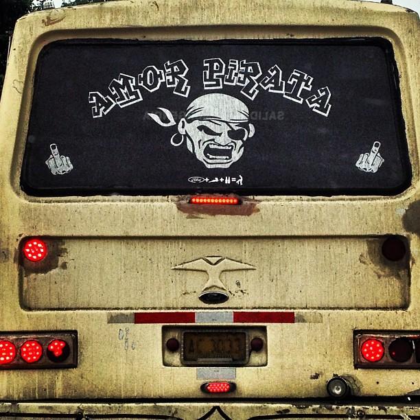 "Camionetica ""Amor Pirata"". Foto: @jraydan"