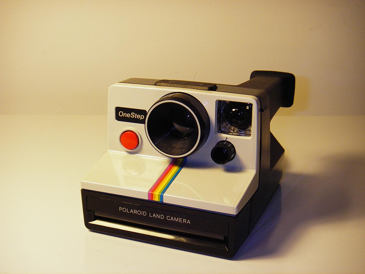 Cámara Polaroid. Foto por Mike.