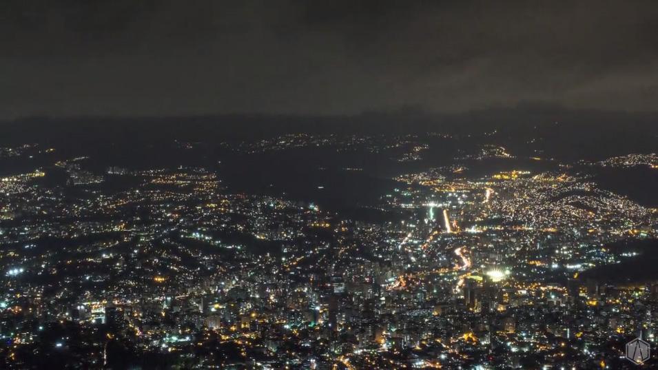 Caracas Activa - Vista desde El Ávila (Noche)