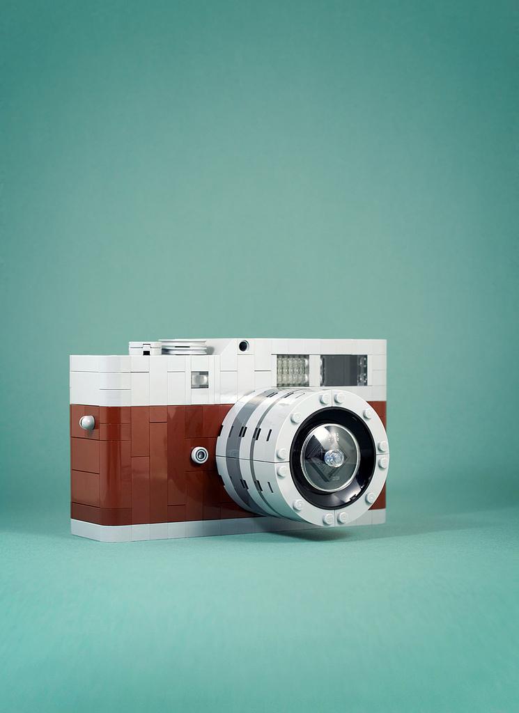 """""""Leica M9"""" en Lego, por Chris McVeigh"""