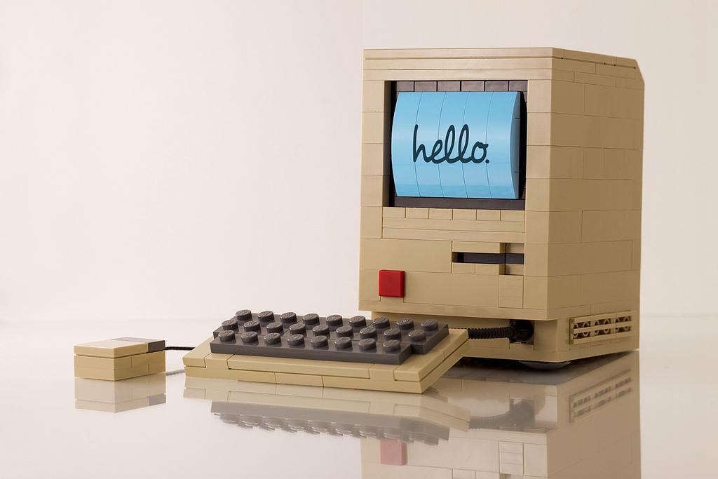 """""""Macintosh 128K"""" en Lego, por Chris McVeigh"""