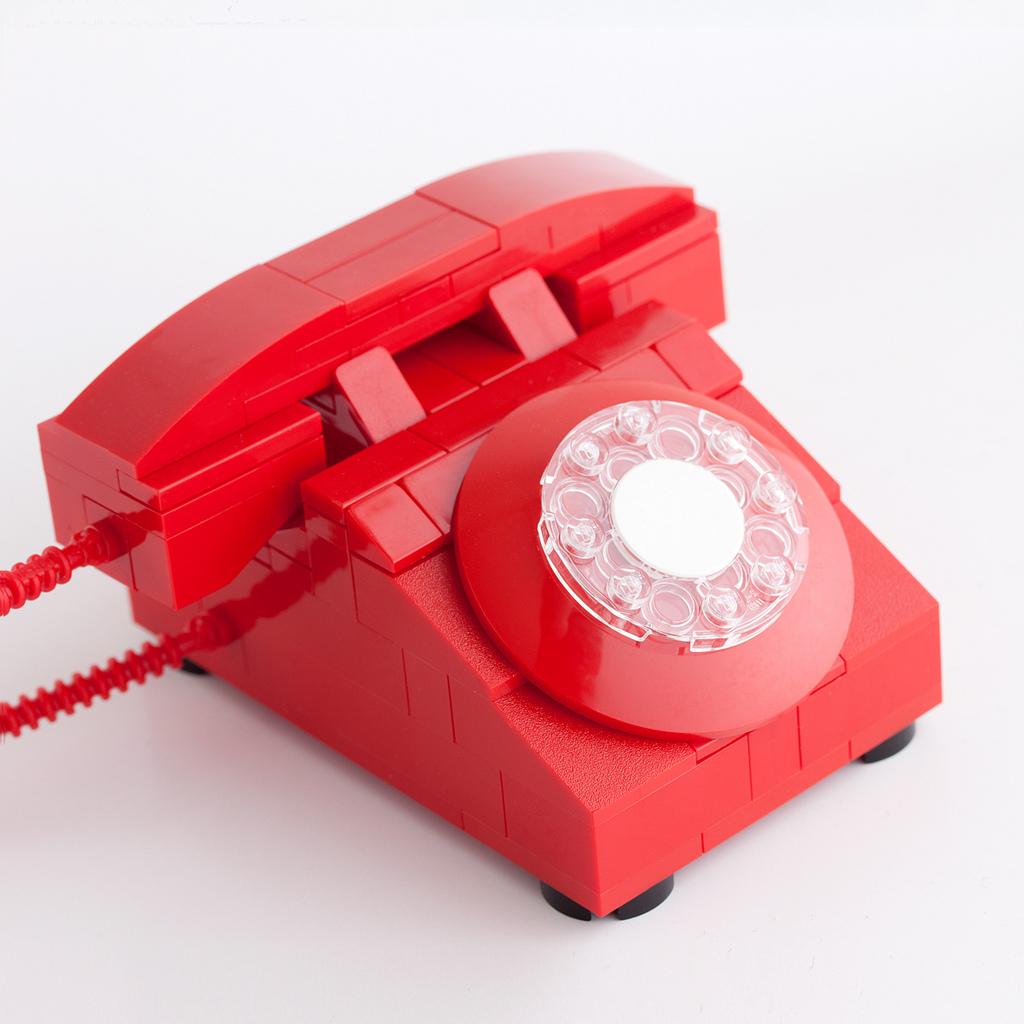 """""""Teléfono Rojo"""" en Lego, por Chris McVeigh"""