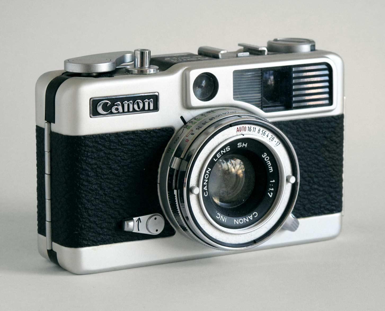 """Canon """"Demi"""" (1966). Foto por: Greg Neville"""