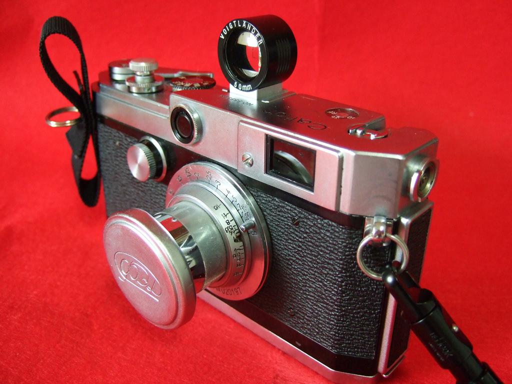 Canon - Cámara L1 (1957). Foto por: Bill Smith